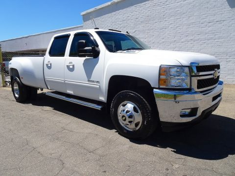 5c1bab016e Pre-Owned 2014 Chevrolet Silverado 3500HD LTZ