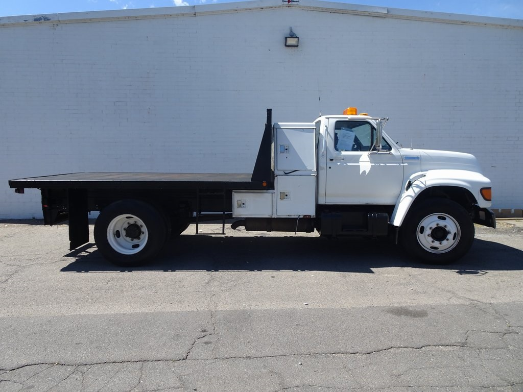 Pre-Owned 1996 Ford F-650 Super Duty