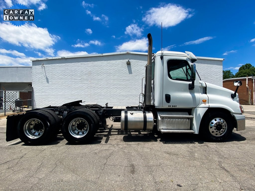 Pre-Owned 2013 Freightliner Cascadia 125
