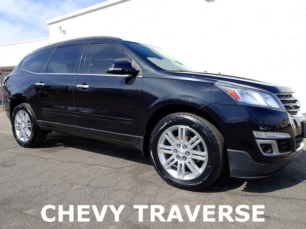 features specs reviews research carmax chevrolet traverse