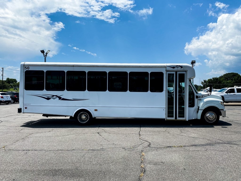 Pre-Owned 2014 International AC Passenger BUS