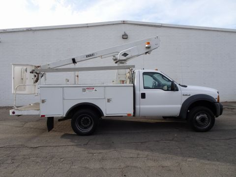 Pre-Owned 2005 Ford F-450SD Bucket Truck