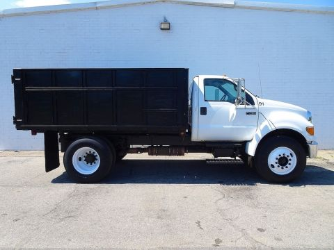 Pre-Owned 2008 Ford F-750SD XLT