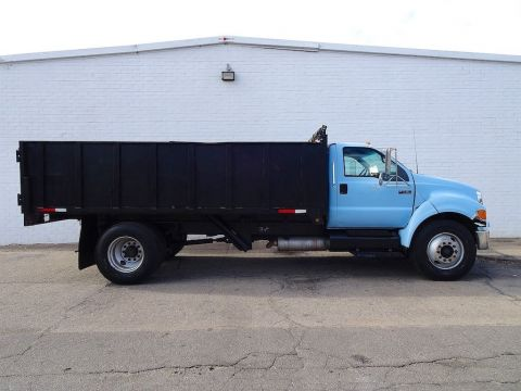 Pre-Owned 2006 Ford F-750SD XLT
